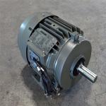 motor dien 3 pha chan de toshiba 15kw 150x150 - Motor điện 3 pha chân đế Toshiba 1,5KW
