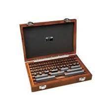 Bộ căn mẫu 8 chi tiết Insize 4100-18 (125-500mm, grade 1)